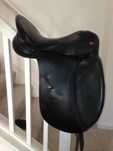 "* Albion Dressage saddle 17.5"" Med/Narrow Tree $950.00"